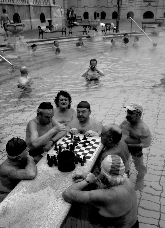 Stanko Abadžic - Playing Chess in the Baths